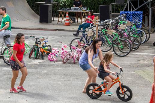 Acao de inclusao da bicicleta